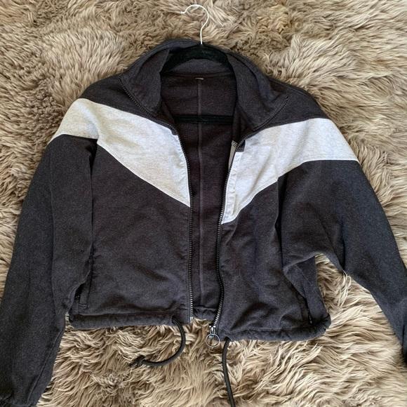 Aritzia Grey Single Stripe Layering Jacket/Sweater